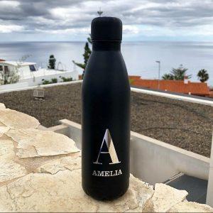 botella personalizada con iniciales