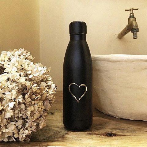 botella personalizada negra con nombres bodelei